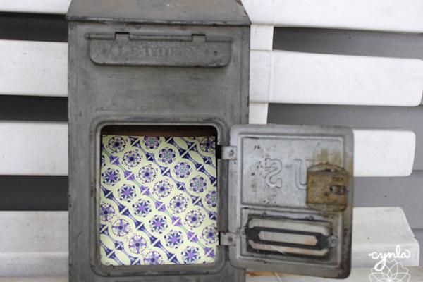 Vintage Mailbox Cynla
