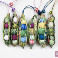 Yukishop Peapod Ornament Set