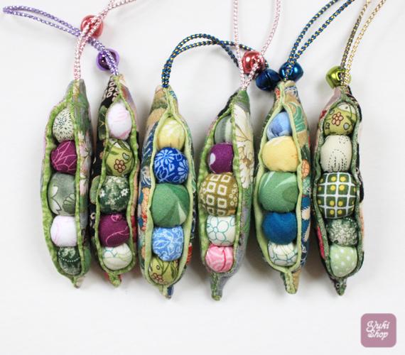 Yukishop Peapod Ornament Set